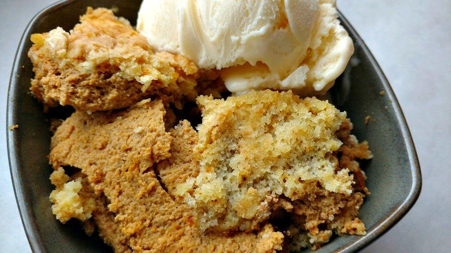 crock-pot pumpkin dump cake