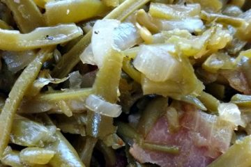 crock-pot green beans and bacon