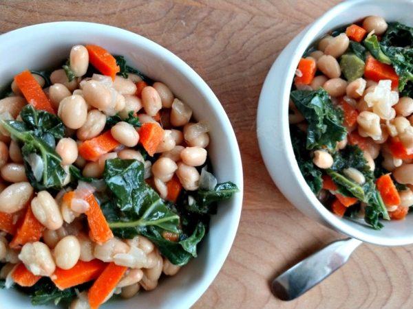 crock-pot white bean and kale soup