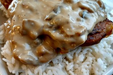 crock-pot pork chops with mushroom and onion gravy