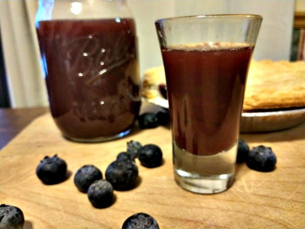 Crock-Pot Blueberry Pie Moonshine